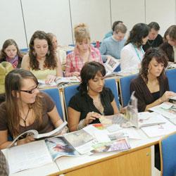 Hbo opleiding communicatie hogeschool inholland rotterdam for Interieur design opleiding hbo